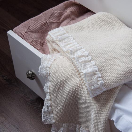 Вязаный плед с кружевом Fill In Home Жемчужный